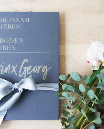 Gästebuch_Leinen_grau_KG_ohnedatum