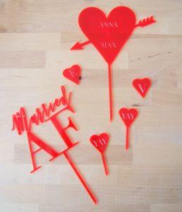 Neon_heart_group_caketopper
